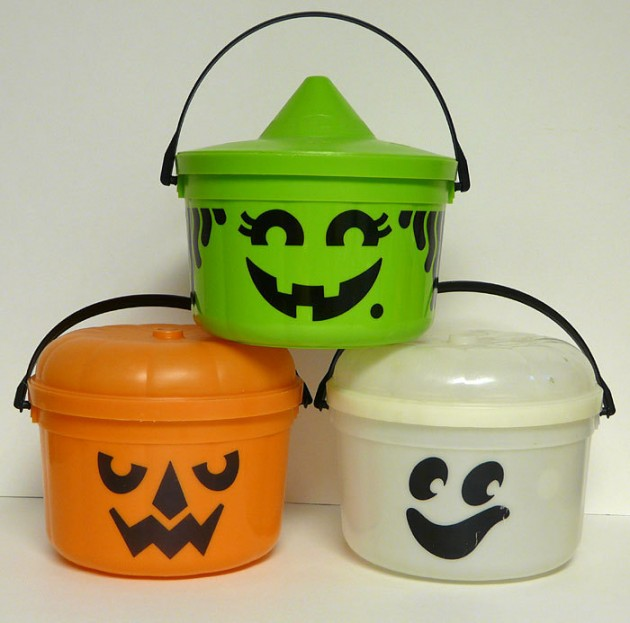 Halloween buckets, Halloween trick or treat and Metal buckets on ...