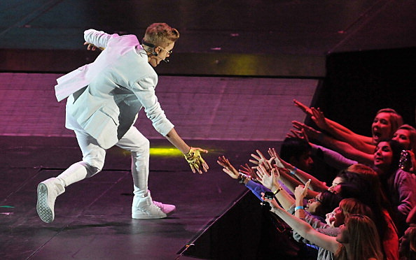 Justin Bieber gets attacked by stage crasher in dubai