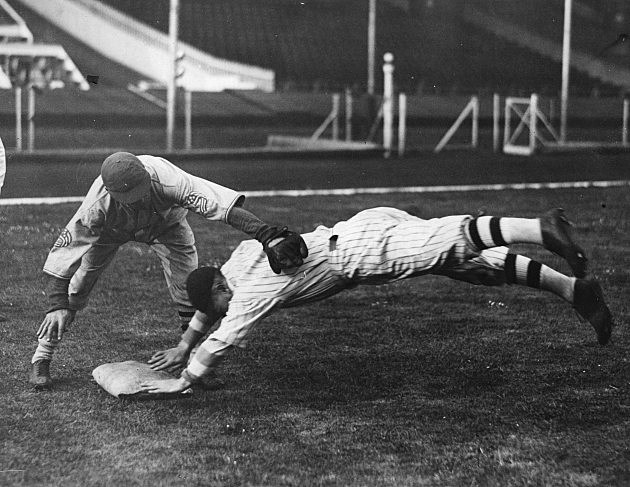 baseball dive