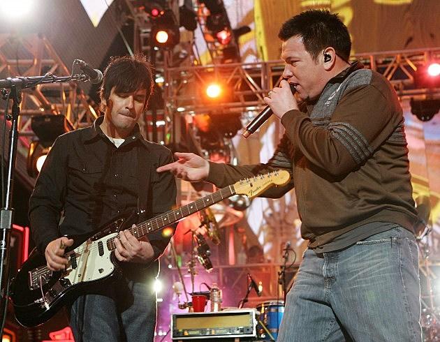 Smashmouth on stage