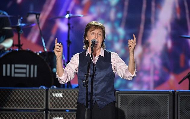 Paul McCartney Pointing