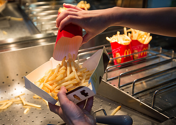 "raising taxes on fast food Fast food outlets would have an incentive to provide a wider range of foods raise revenue through increasing tax on 4 thoughts on "" pros and cons of fat tax."