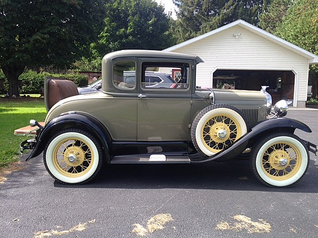 1930 Model A Coup Deluxe